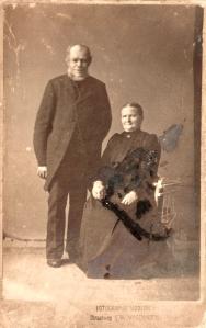 Opa Jansen 1-1-1857; Opoe Jansen 18-2-1860; gem. m. 1914